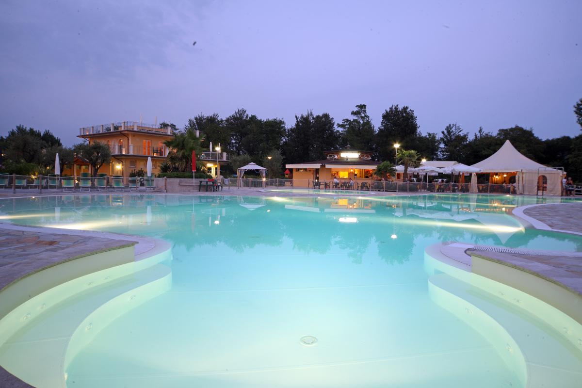 4-star camping on Lake Garda: a truly dream vacation